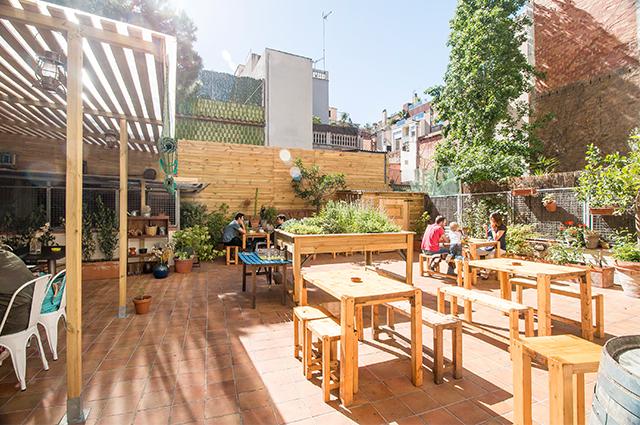La terraza escondida de La Vecina en Gracia