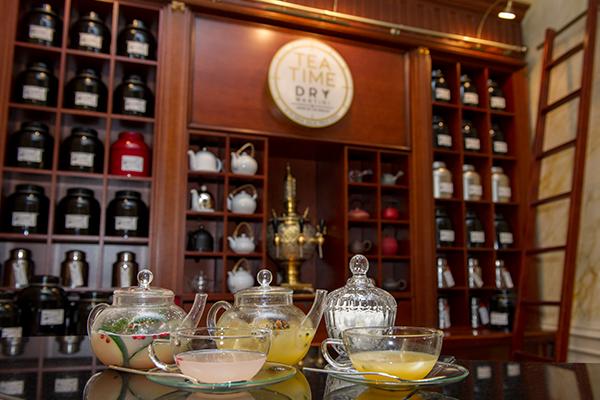 Dry Martini Tea Time